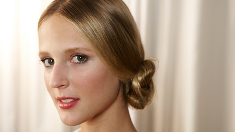 A Date Night Hairstyle To Try Now! 4 Steps To A Perfect Chignon   StyleCaster