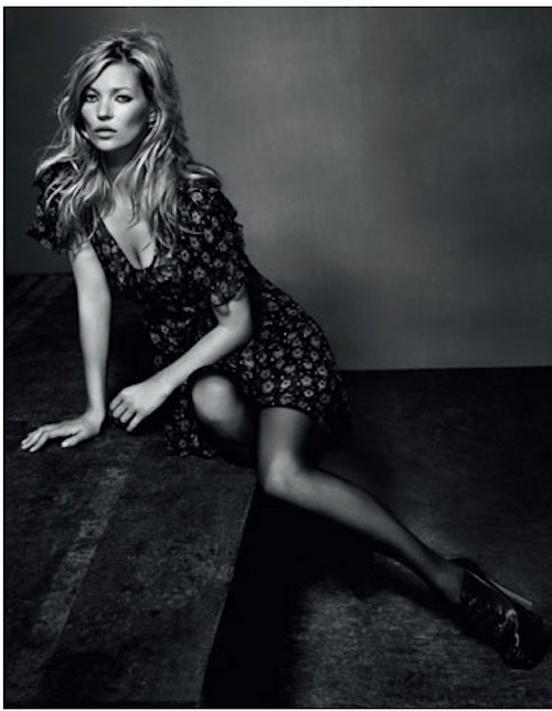 Some asshole took a picture of kate moss doing lines