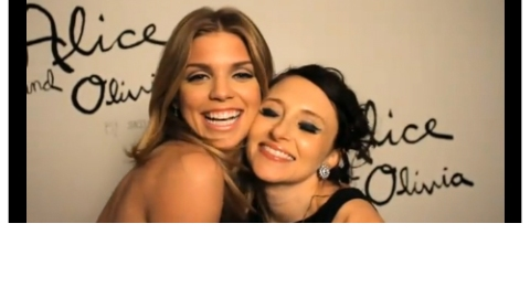 AnnaLynne McCord And More Get In The Holiday Giving Spirit (VIDEO) | StyleCaster