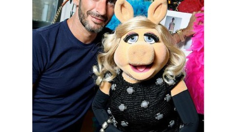Emmanuelle Alt Out, Miss Piggy In At French Vogue | StyleCaster