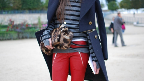 Street Style: It's All About The Bag   StyleCaster