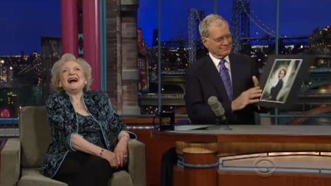 Betty White Dazzles in Paisley Top on Letterman (VIDEO) | StyleCaster