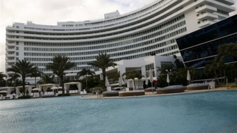 Fontainebleau Vacation | StyleCaster