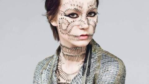 Mia Wasikowska Shows Her Bi-Polar Side in W | StyleCaster