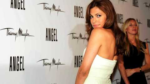 Eva Mendes is Thierry Mugler's New Angel   StyleCaster
