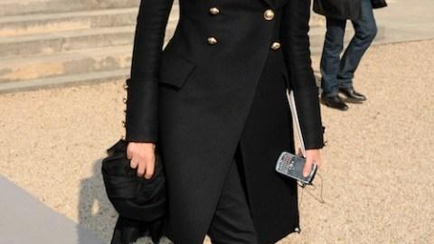 Watch Emmanuelle Alt Shop & Stroll Around Paris In FNO Promo | StyleCaster