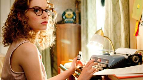 """Get Emma Stone's Cat Eyed Frames From """"The Help"""" 