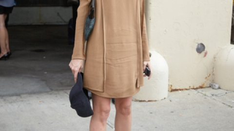 NYFW SS 2012 Street Style Trends: Nudes, Blacks and Prints | StyleCaster