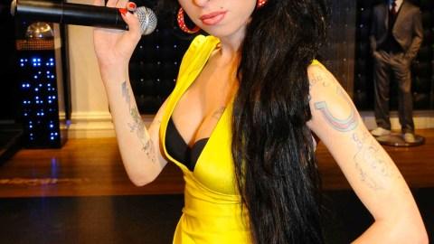 Amy Winehouse's Last Album Makes Its U.S. Debut   StyleCaster