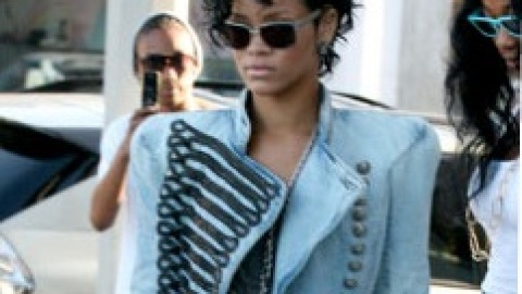 Rihanna: Channeling Michael Jackson in His Heyday? | StyleCaster
