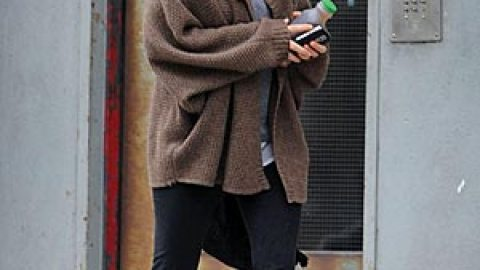 Mary-Kate Kicks It on Canal, in Nikes | StyleCaster