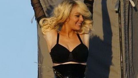 Lindsay Lohan Does Marilyn Again, This Time Clothed | StyleCaster