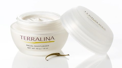 Terralina Moisturizes Faces and Brightens Rooms | StyleCaster