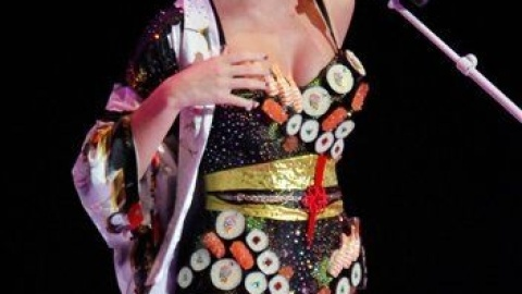 Katy Perry Performs in a Sushi Dress   StyleCaster