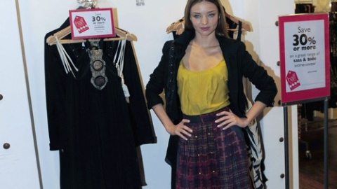 Miranda Kerr Wants You To Shop On Sale | StyleCaster