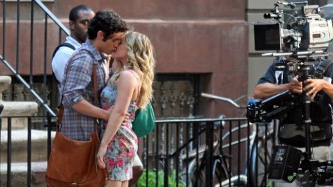 Spotted: Dan and Duff, Locking Lips on the Set of Gossip Girl | StyleCaster