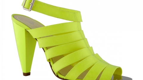 Be Bright and Beautiful this Fall with Pop Colors | StyleCaster