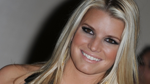 Tony Romo Gal Pal Jessica Simpson Talks Back About Her Offensive Cartoon | StyleCaster