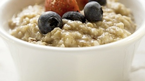 National Oatmeal Day: 3 Recipes That Aren't For Breakfast | StyleCaster
