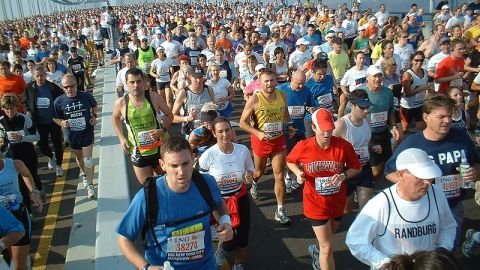 2009 NY Marathon: Yigal Azrouel, Veronica Webb Among the Nearly 40,000 Runners. | StyleCaster