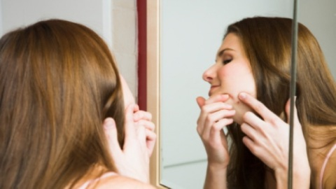 Beauty Tips: Hiding A Blemish Without Making It Worse | StyleCaster