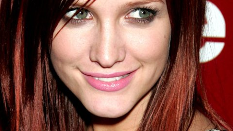 Ashlee Simpson Fired from the CW, Wants to Design Clothes | StyleCaster