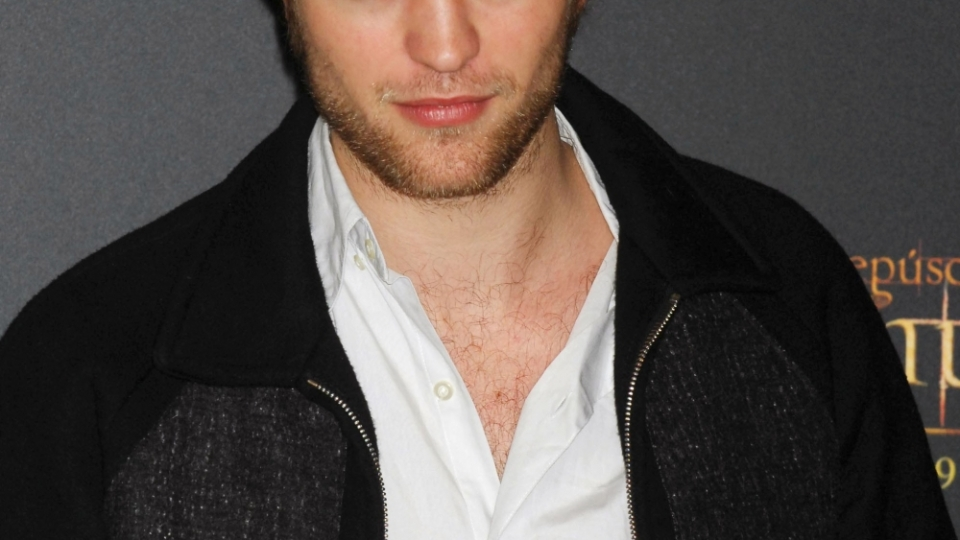 Twilight Star Robert Pattinson Introduces Kristen Stewart to the Parents | StyleCaster