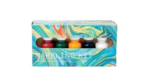 Homemade Holiday Gifts Made Easier with This Marbling Kit | StyleCaster