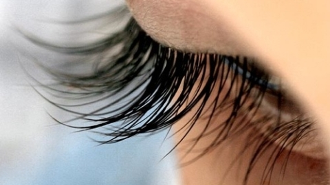 Eyelash Extensions: A Real Woman Tests Them Out   StyleCaster