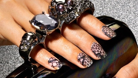 How to Give Yourself a DIY Lace Manicure | StyleCaster