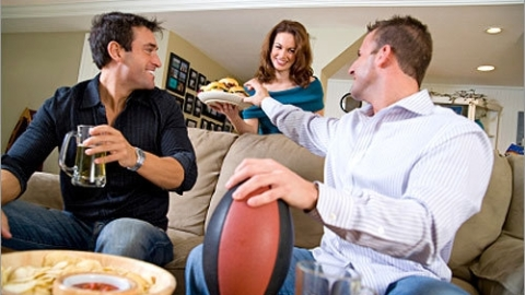 Super Bowl 2010: 10 Ways to Sound Smart and Impress the Boys This Sunday | StyleCaster