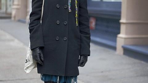 Street Style New York – Issey Miyake's Vanessa Espinosa Brightens Up Basic Black | StyleCaster