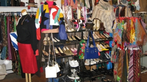 Secondhand Savvy: How to Save Time and Money When Hitting the Vintage Shops | StyleCaster