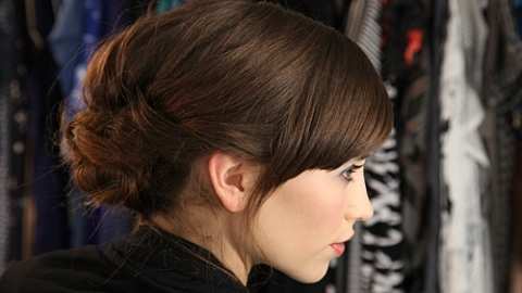 How To Get A Loose Tousled Updo For Hot Summer Nights | StyleCaster