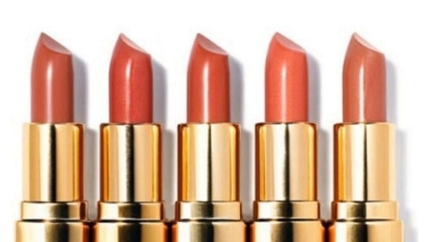 Beauty How-To – A Bright Coral Lip for Spring | StyleCaster