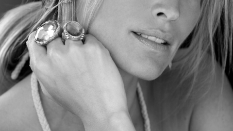 Molly Sims Talks Jewelry, Online Shopping And Working With Her Ex | StyleCaster