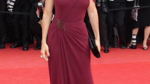 Salma Hayek Debuts First Ever Gucci Couture Gown At Cannes Film Festival | StyleCaster