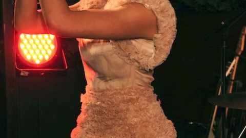 Kelis Shows Off Her 'Milkshake' At Mulberry's Glastonbury Fête   StyleCaster