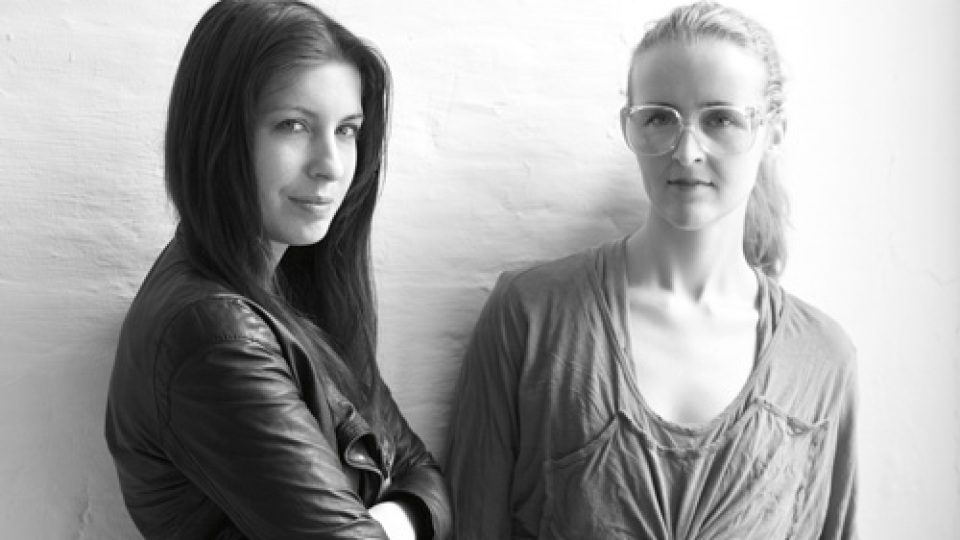 Fashion Love Affair: Ohne Titel Design Duo Alexa Adams And Flora Gill Chat Inspiration | StyleCaster
