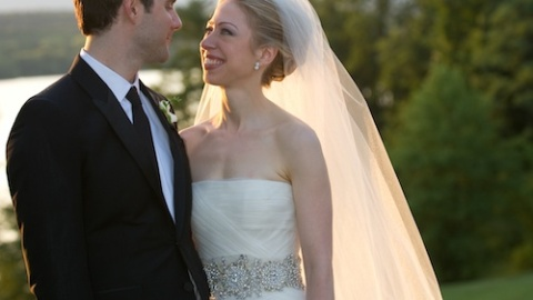 Chelsea Clinton Weds In Vera Wang! | StyleCaster