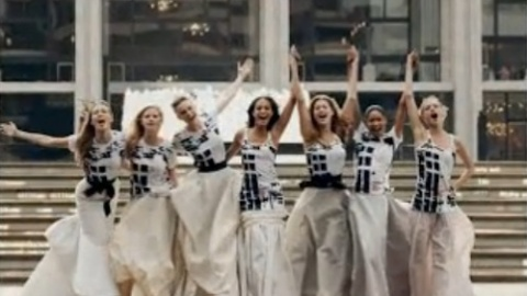 Fashion's Night Out Shoots PSA Starring Abbey, Doutzen, Lara And More   StyleCaster