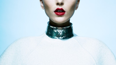The New Statement Pieces: Bold Jewelry Goes Minimal For Fall | StyleCaster