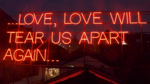 Now That's What I Call Art!: Artists Transform Song Lyrics Into Neon Signs | StyleCaster