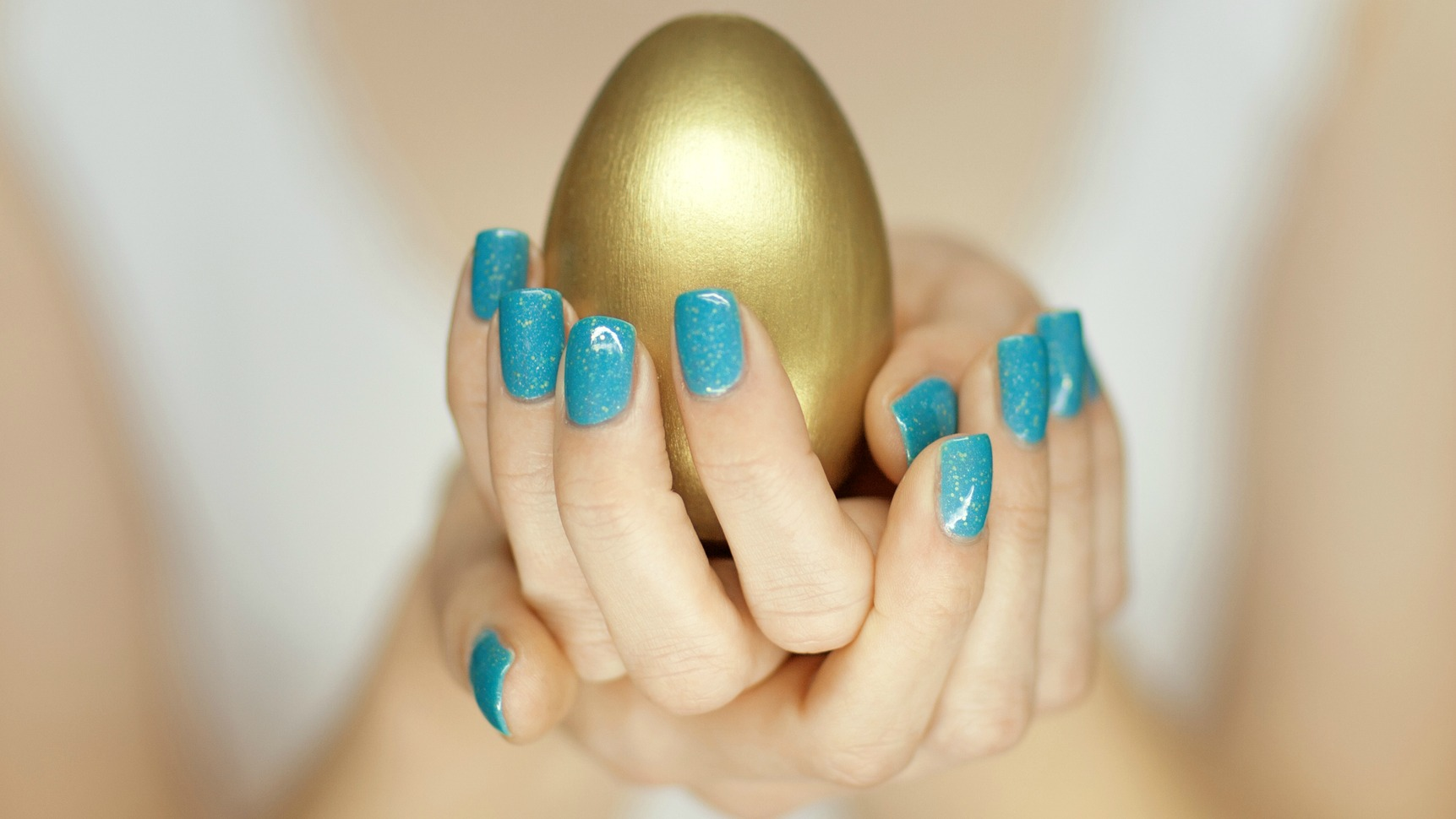 10 Easter Nail Designs You'll Want to Try This Weekend