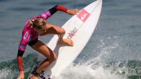 Girls in the Curl: The World's Most Stylish Surfers | StyleCaster
