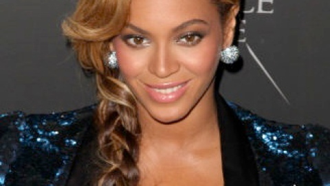 Links To Click: Beyoncé Covers Amy Winehouse For 'The Great Gatsby,' Anti-Rape Lingerie, More | StyleCaster