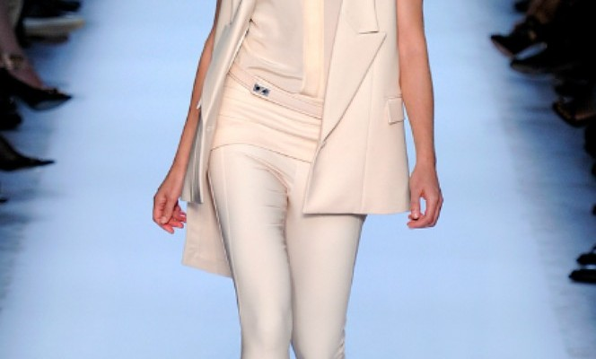 Runway to Real-Way: Givenchy's Sophisticated, Sleeveless Look