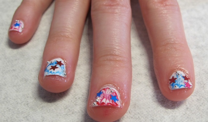 """Manicure DIY: Get The """"F*** Yeah, America"""" Nails From Miss Pop"""