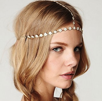must have headpiece The Must Have: A Daisy Chain Headpiece