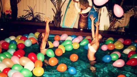 Weekend Playlist: 30 Pool Party Essentials | StyleCaster